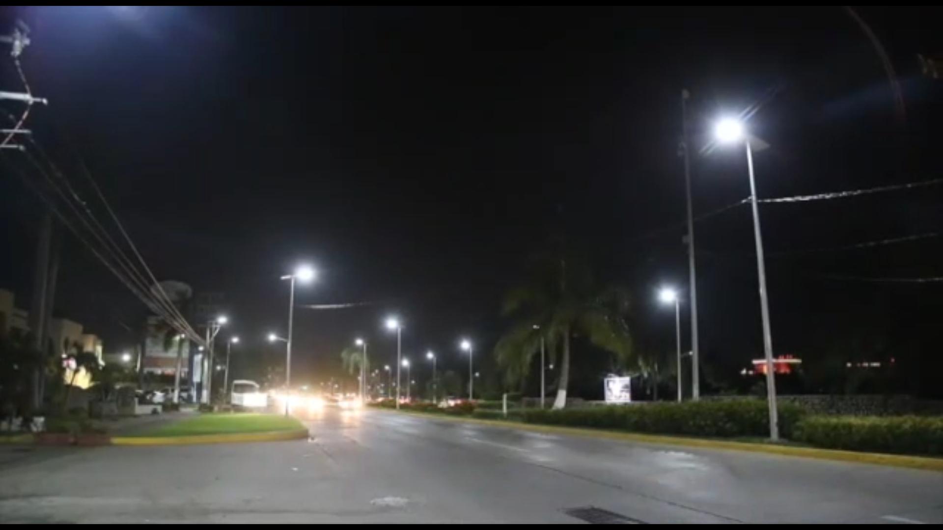 Digital guerrero gobierno de guerrero da nuevo rostro a for Iluminacion para palmeras