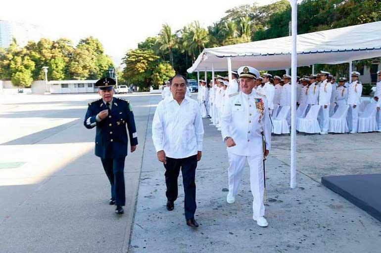 Realizan cambio de mando en la Octava región Naval en Acapulco